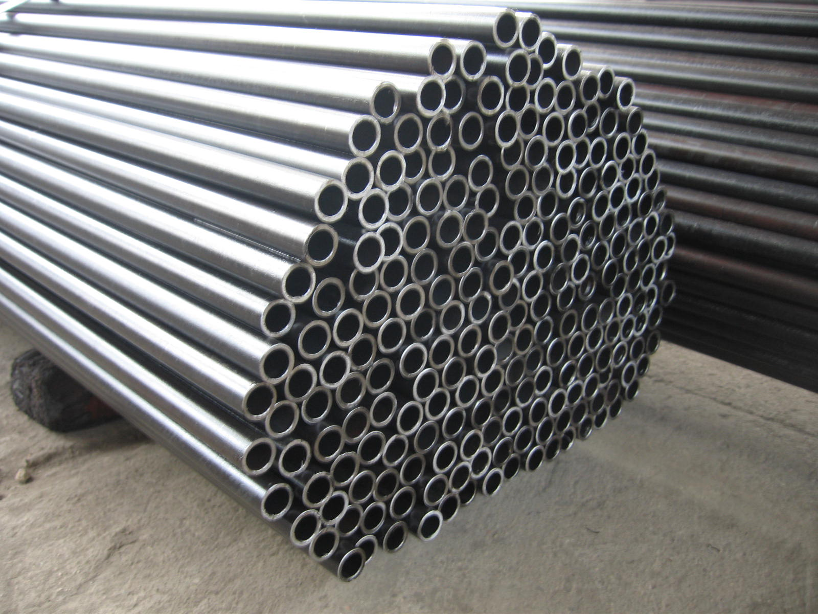 L seamless pipe manufacturers stainless steel